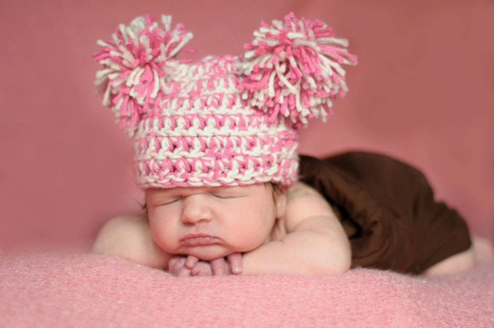 Crochet PomPom Newborn Hat on Luulla